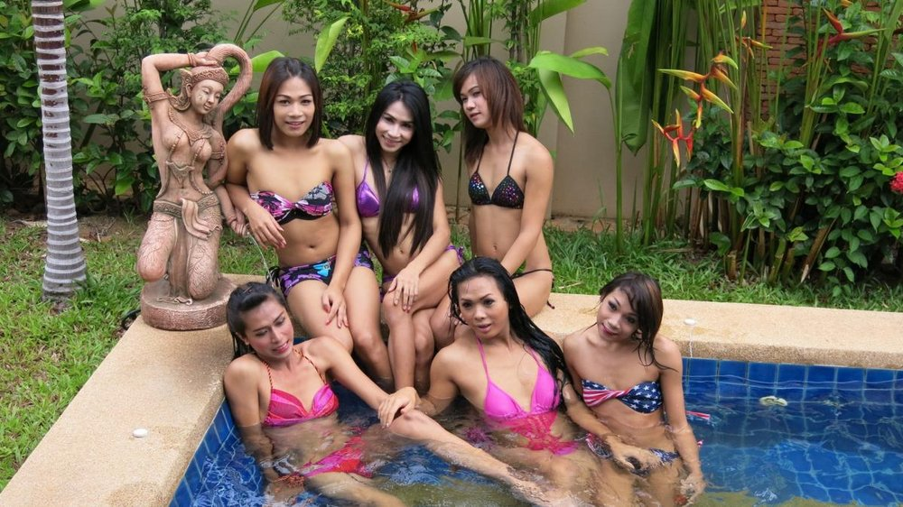 Famous Ladyboy Bar Staff In Pool