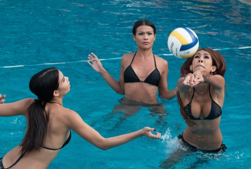 Ladyboy Water VolleyBall