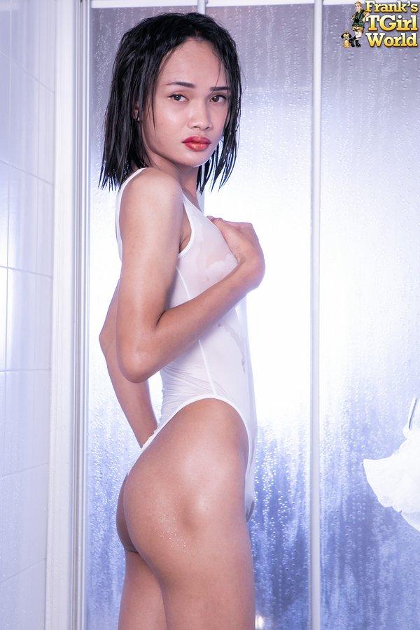 Mei Bangkok Ladyboy Shower