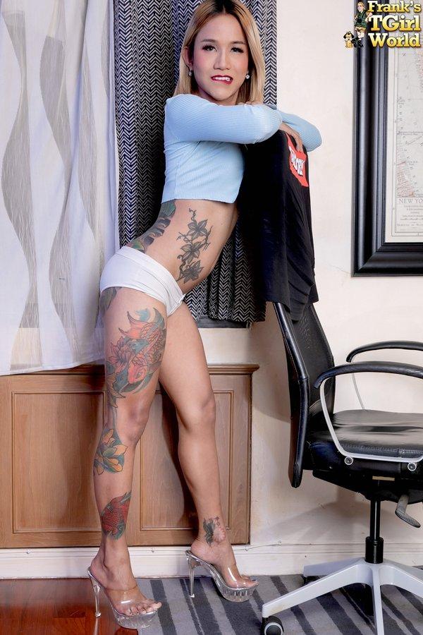 Tattoo Hottie Parwa Bangkok Ladyboy