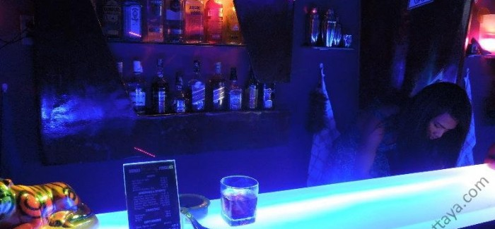The-House-Ladyboy-Bar-Pattaya-8