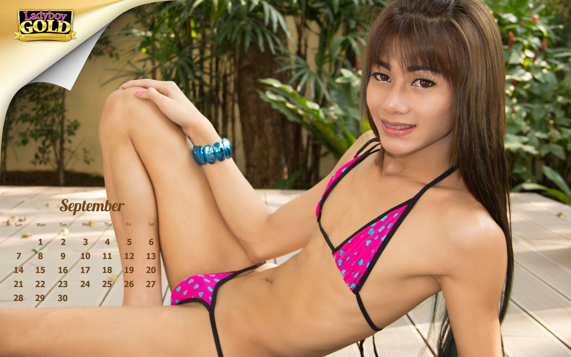 naked-girls-and-ladyboys